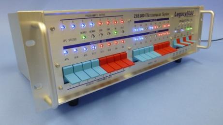 Legacy8080 プラチナモデルのフロントパネルとリアパネルの表示は、特殊なインクジェットで印刷されています